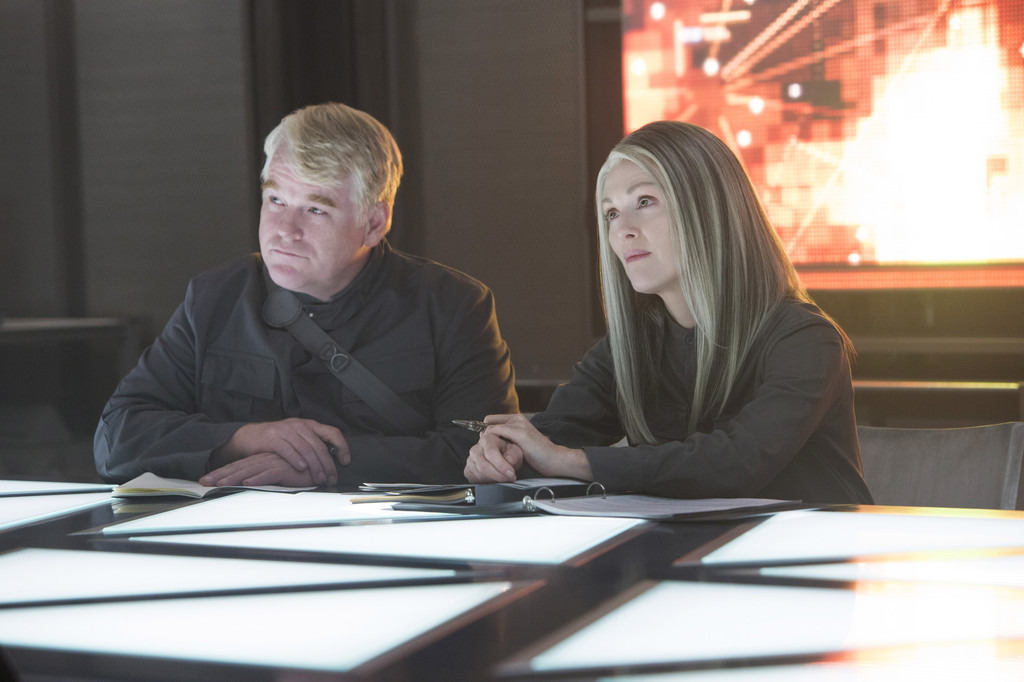 Comic-Con gets first look at 'Mockingjay' trailer