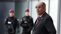 France arrests former Egyptian finance minister on Interpol warrant