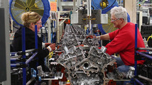 U.S. industrial output rises in March, manufacturing gains
