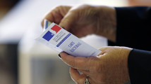 Hollande to pursue reforms despite French local vote thump