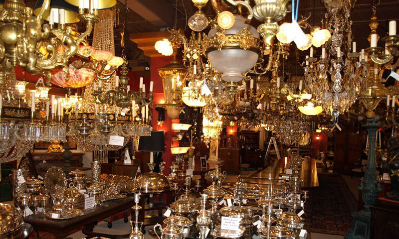 There are more than 900 chandeliers on display at Maurice Chandelier, plus French antique clocks, fine objects, fine furniture and statuary.