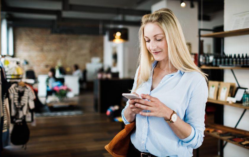 メインビジュアル : 顧客接点データで進化する2020年のリテール