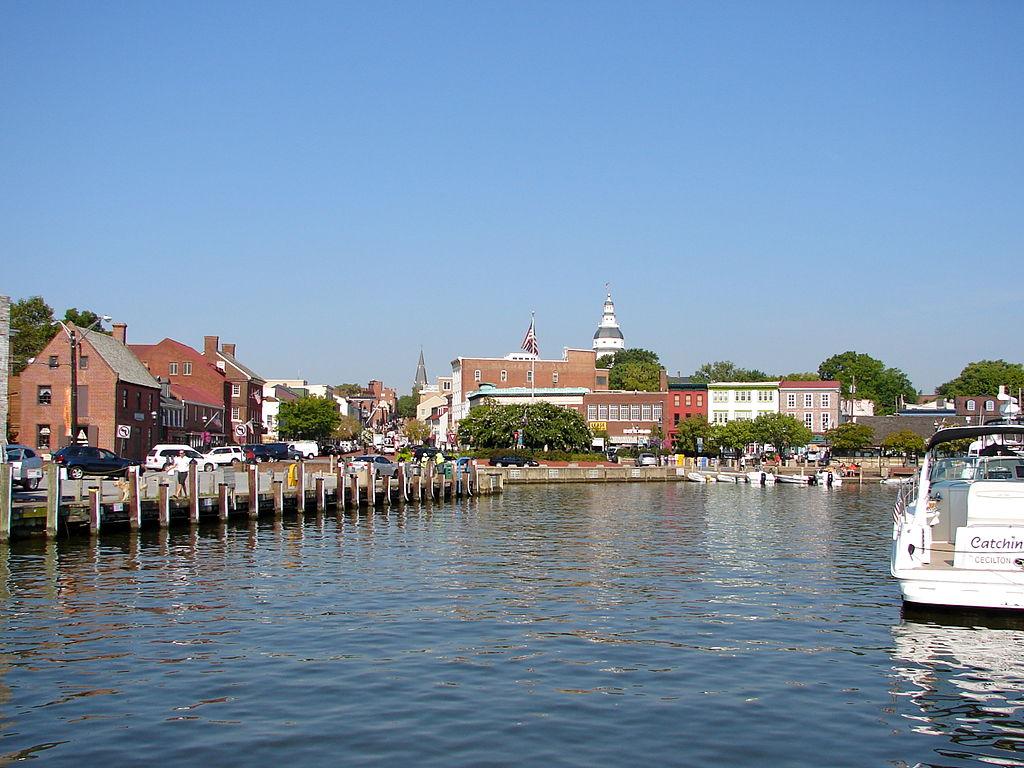 1024px-Dock_Street_Annapolis.JPG