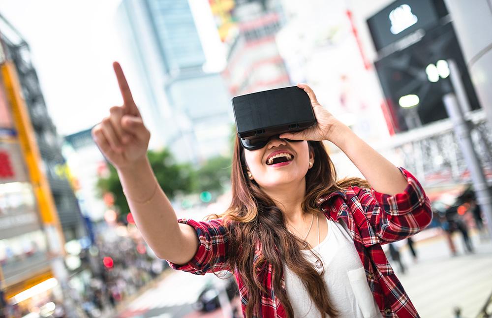 メインビジュアル : VR/ARに今、参入する意義―20年後の勝者になるために―
