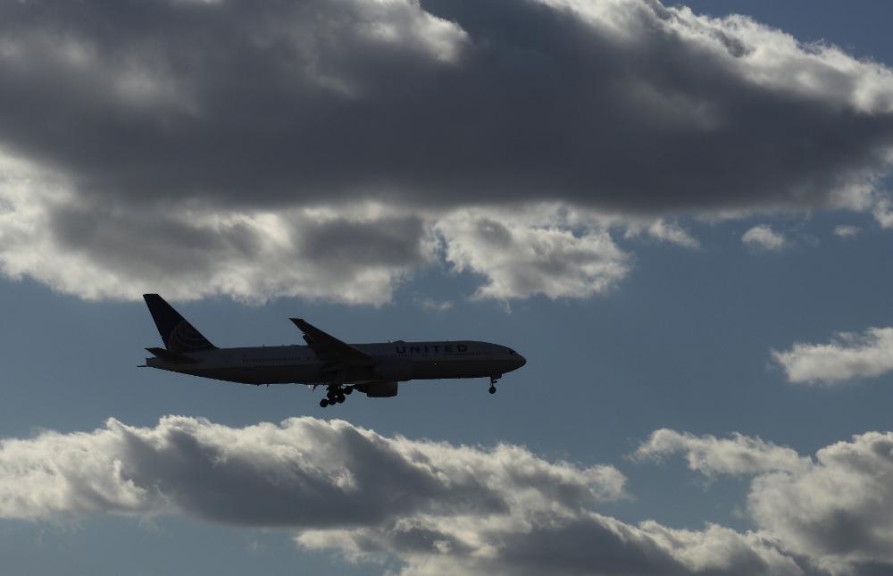 メインビジュアル : 旅客機がサイバー攻撃を受けるのは「時間の問題」と研究者らが警告