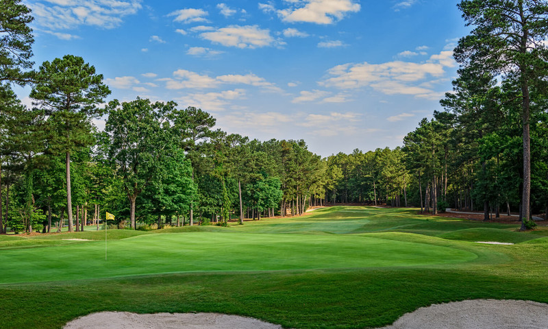 Stone Mountain, about a half hour outside Atlanta, offers two championship courses.