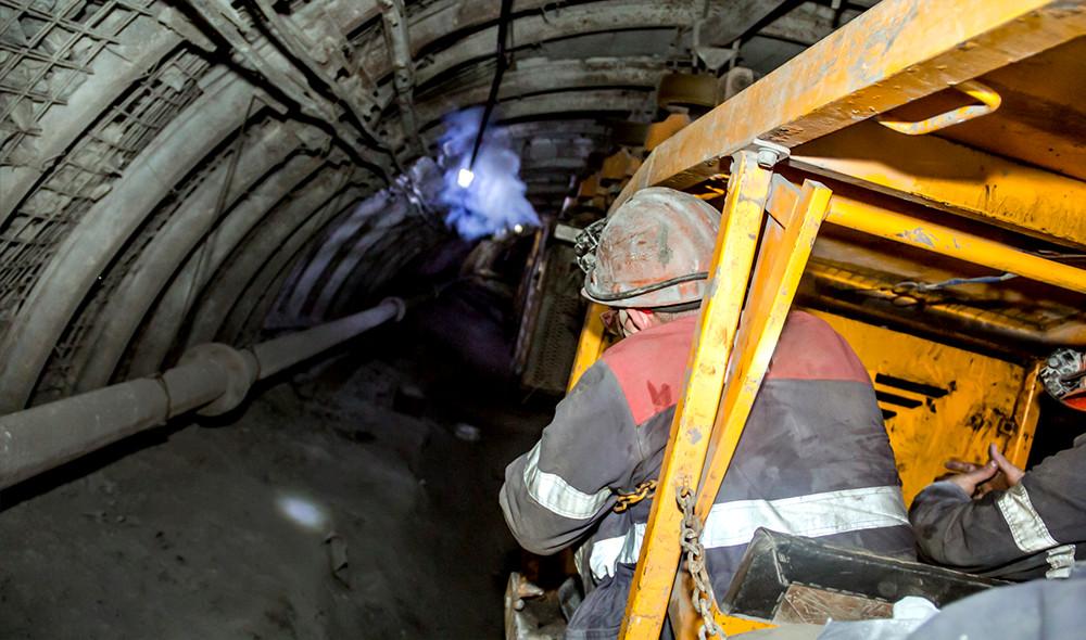 メインビジュアル : トンネルや地下でも安定した通信が可能!作業現場を支える新しいIoT技術とは?