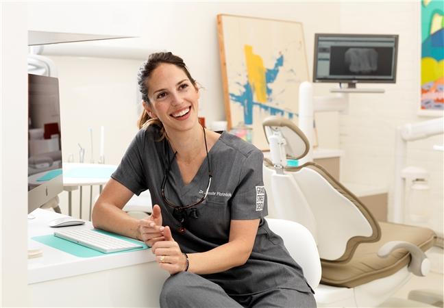Dr Jennifer Plotnick