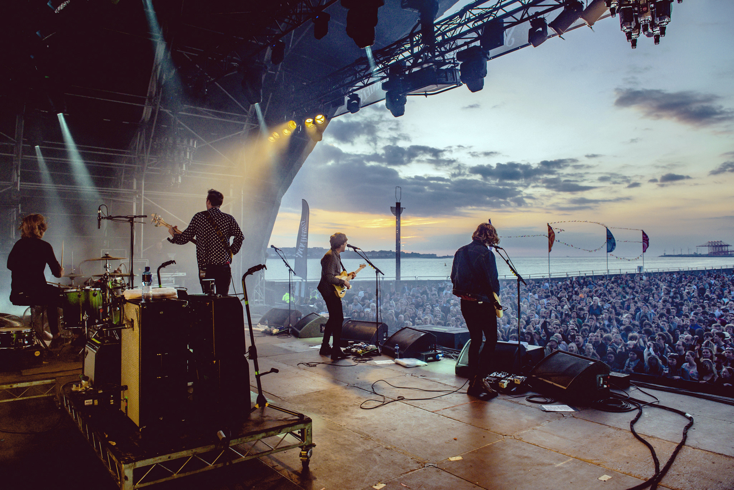CircaWaves_Soundcity2016_10_AndyHughes copy.jpg