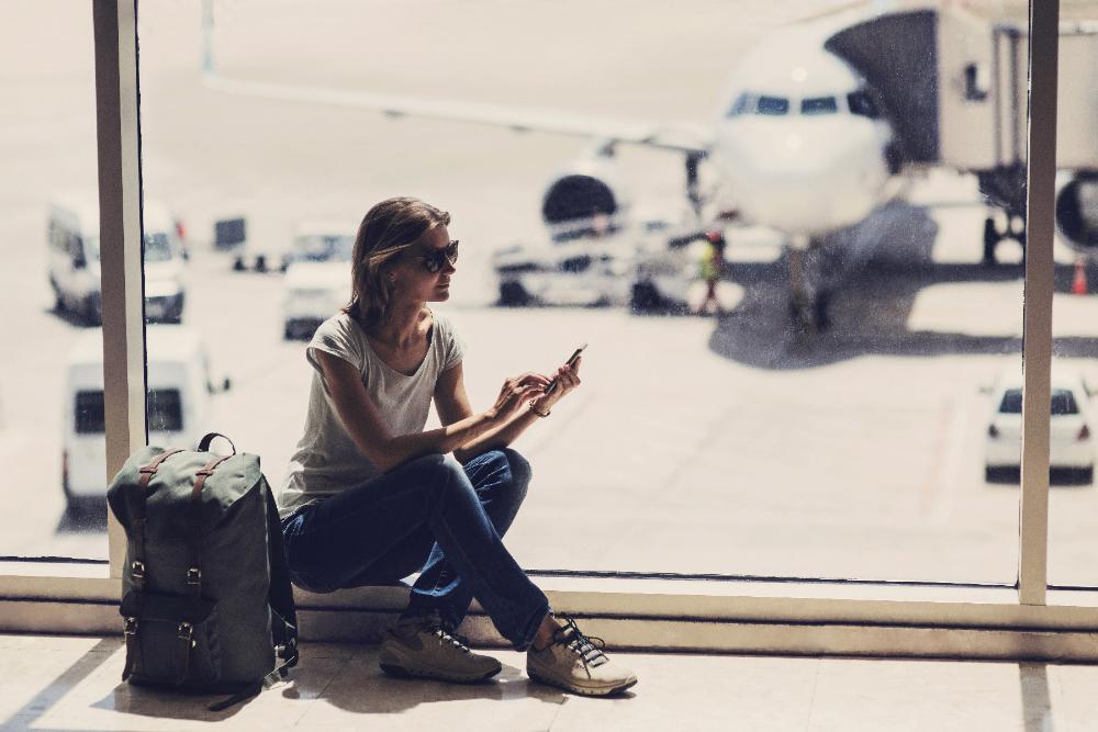 メインビジュアル : 世界へはばたく4つのモバイル旅行トレンド