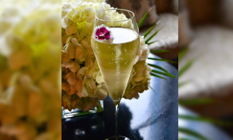 The Mandarin Oriental Atlanta salutes mothers with its special Flor De Mãe.