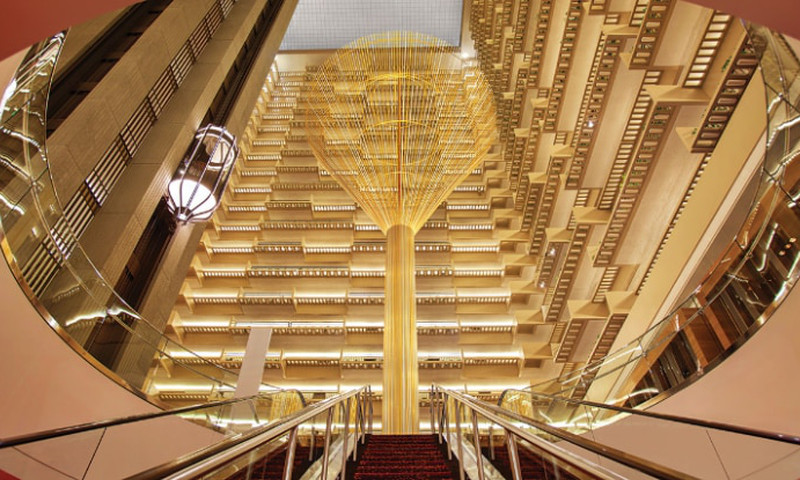 The Hyatt Regency Atlanta was the first hotel with John Portman's impressive atrium. It started a trend.