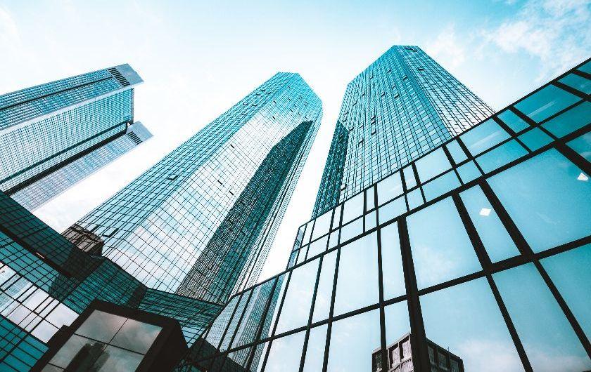 メインビジュアル : 金融業界で生き残るために!いま求められる銀行の姿とは