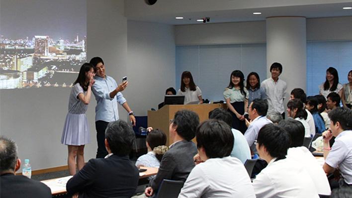 メインビジュアル : 立教大学と富士通のコラボで生まれる新しいICTのかたち