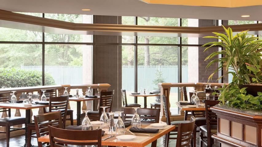 The Best Restaurants Near The Atlanta Airport Atlanta Insiders Blog