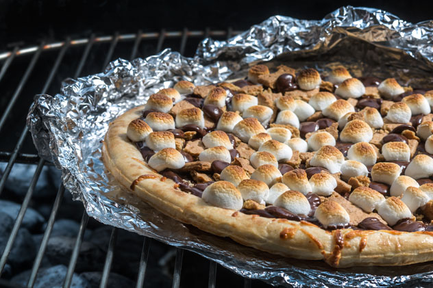 SMore-Pizza-Please_crop_Grilled-Pizza_2015.jpg